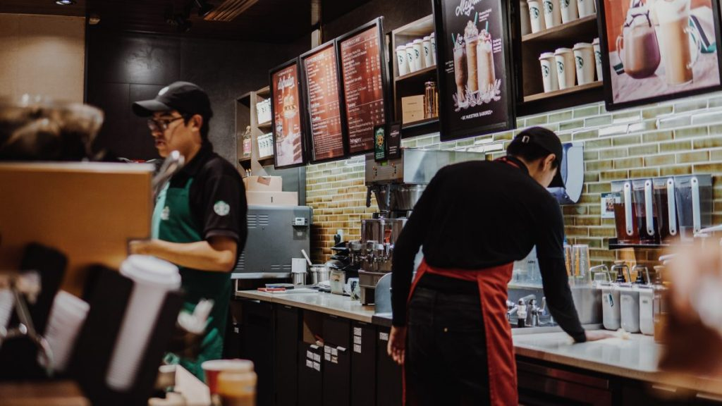 What the colour of the Starbucks apron means