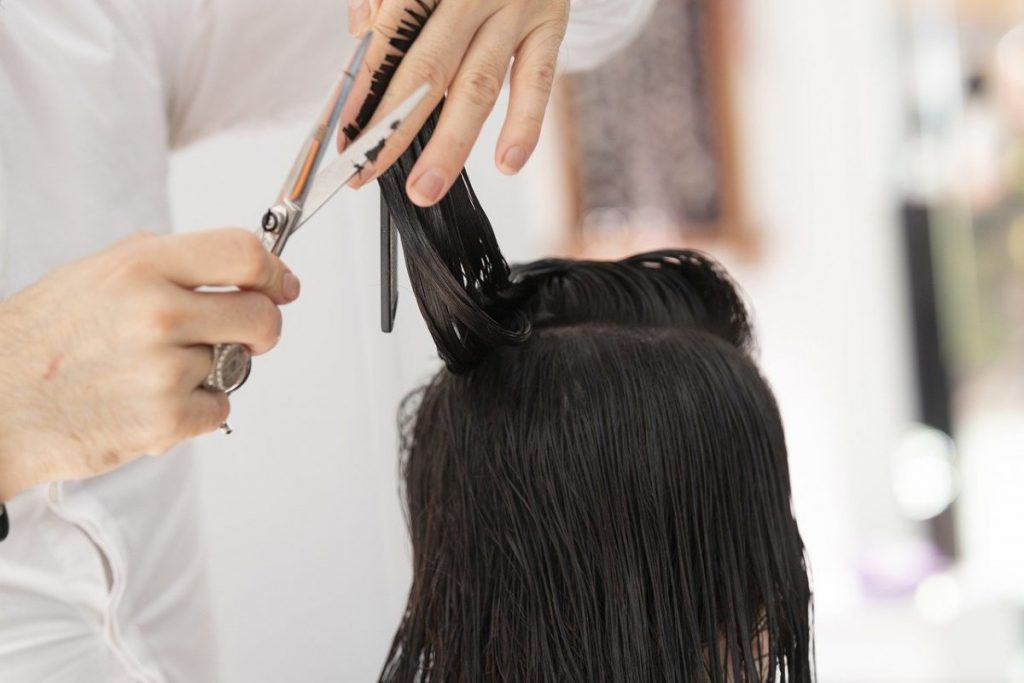 Tips for business-proof women's hairstyles